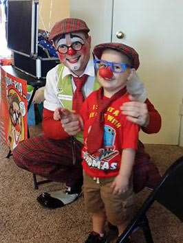Award-winning clown Dallas, Dallas Clown, DFW Clown, Frisco Clown, Texas, puppet show, Balloon twisting, music, clown show dallas, DFW clown